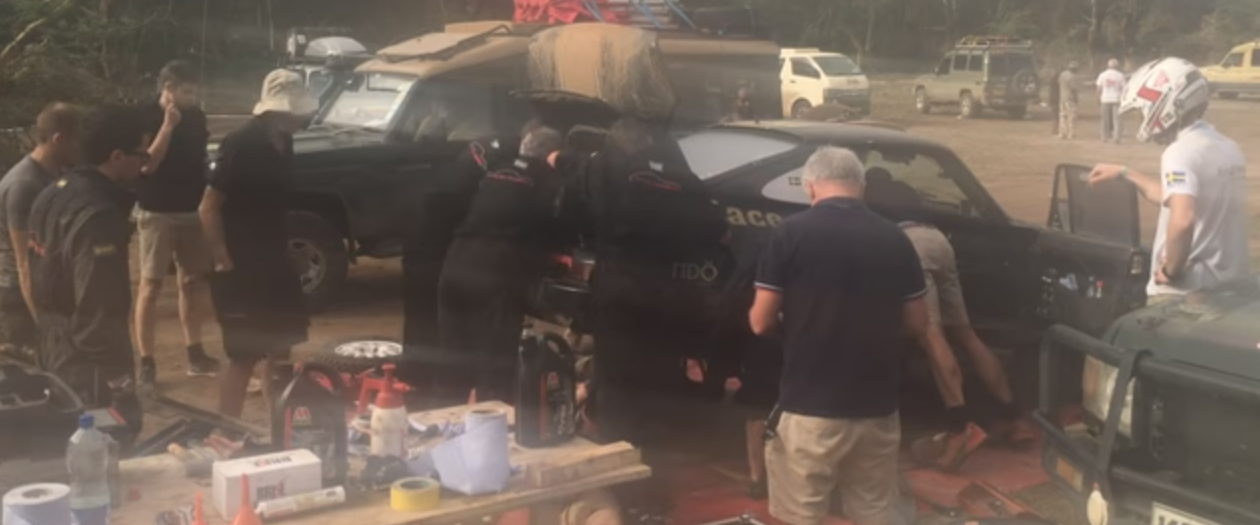Porsche Crew Changes an Engine and Transmission in 11 Minutes