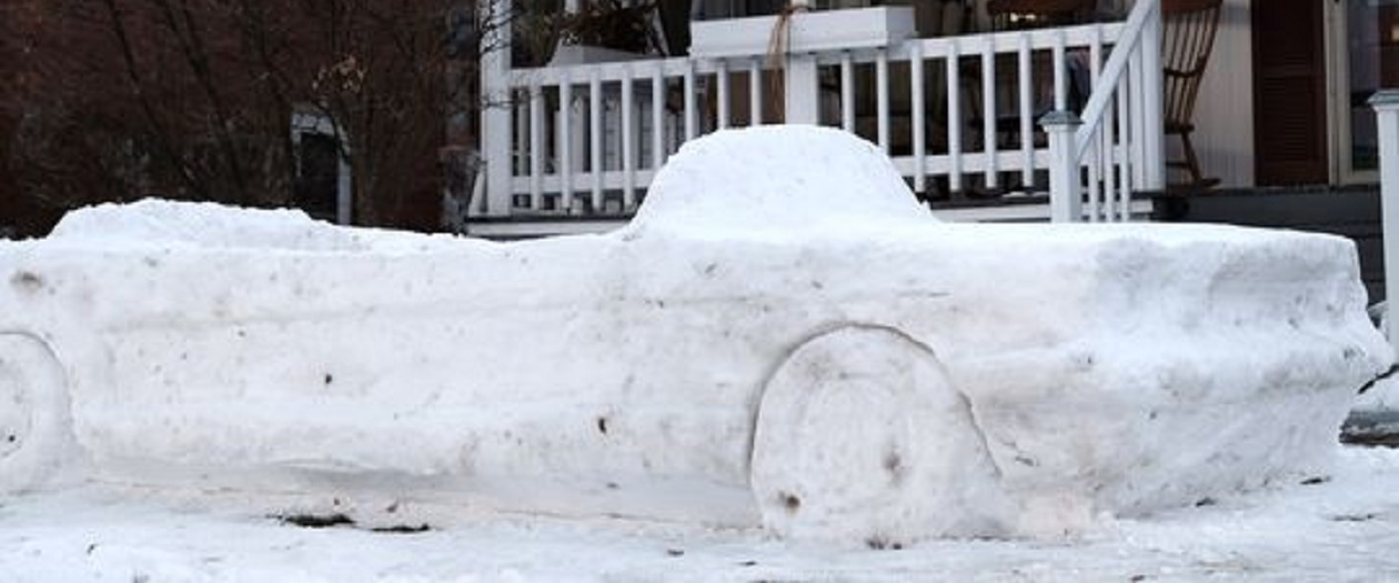 Man Creates 1965 Ford Mustang convertible From Snow