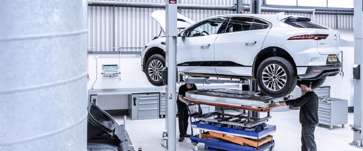 Jaguar is Recycling Old Cars to Help Produce New Ones