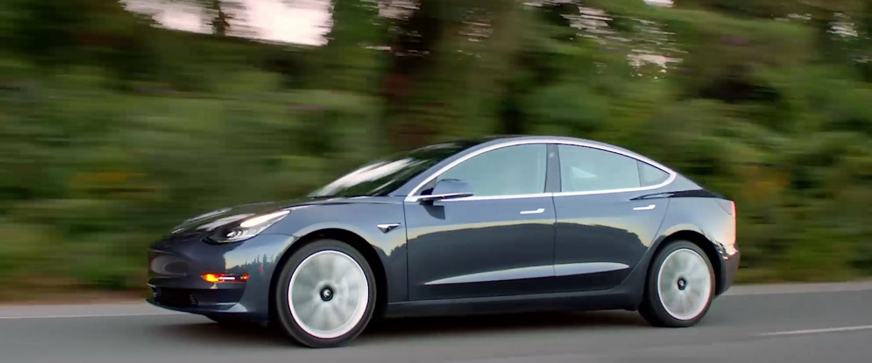 Elon Musk Announced Performance Option for the Tesla Model 3