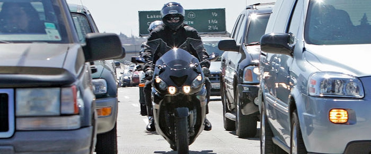 Ford Patents Lane Splitting Technology