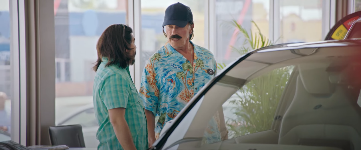 Arnold Schwarzenegger Pranks Electric Car Shoppers