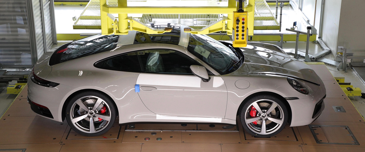 "Watch Your Porsche Be Built in Real-Time with ""Track Your Dream"" Program"