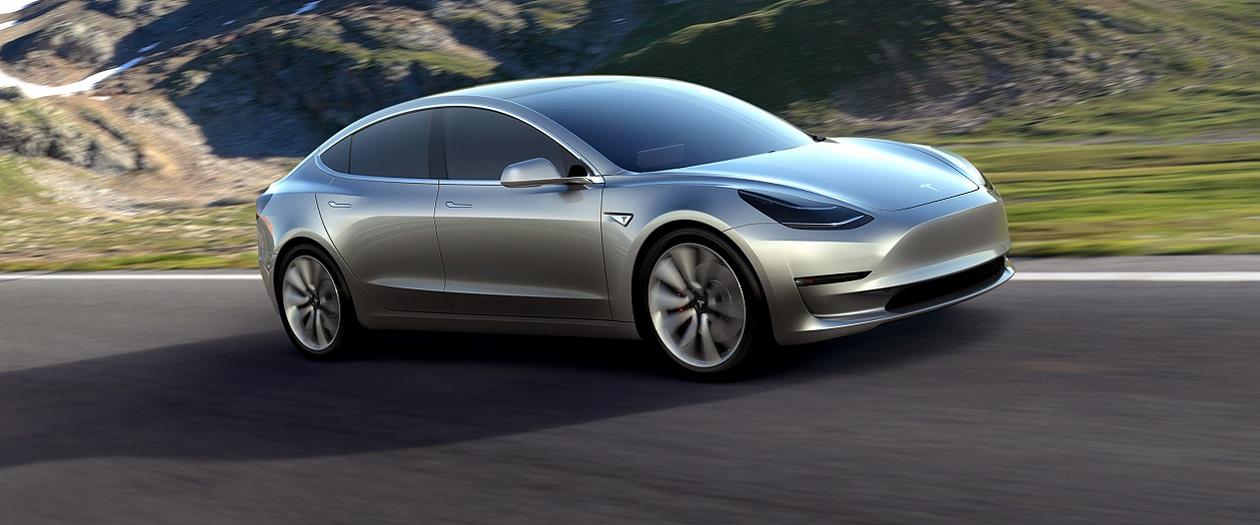 Tesla Long Range Model 3 has 310 Mile Range