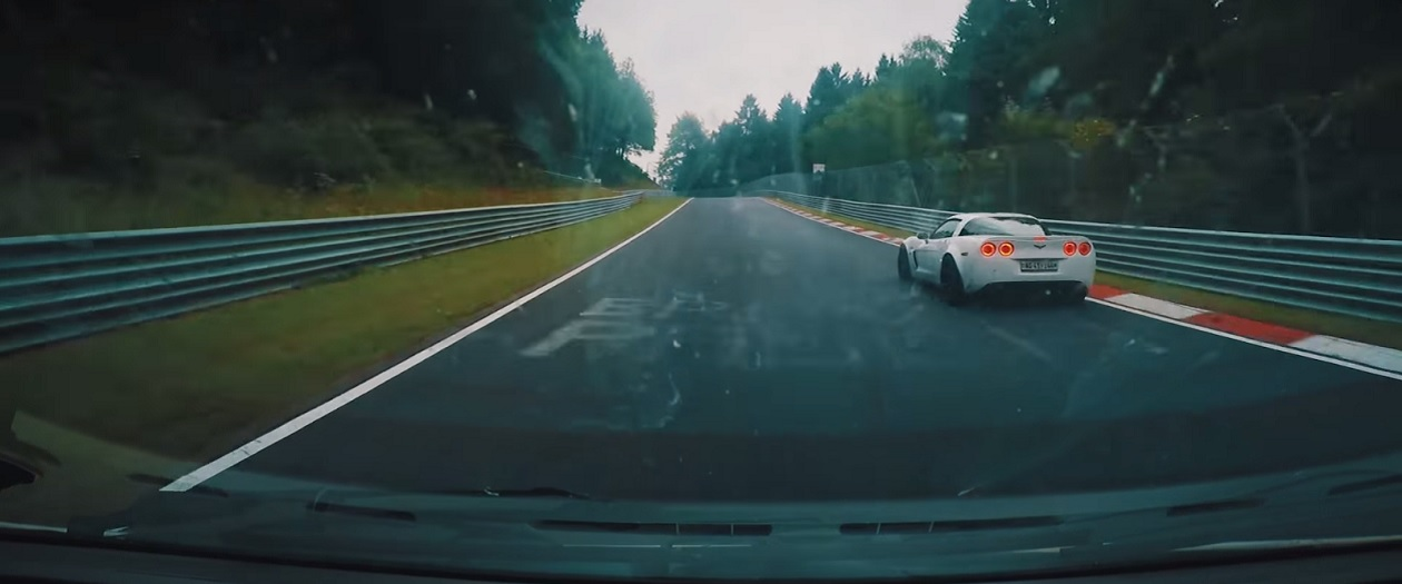 1999 Fiat Multipla Beats Corvette on the Nurburgring