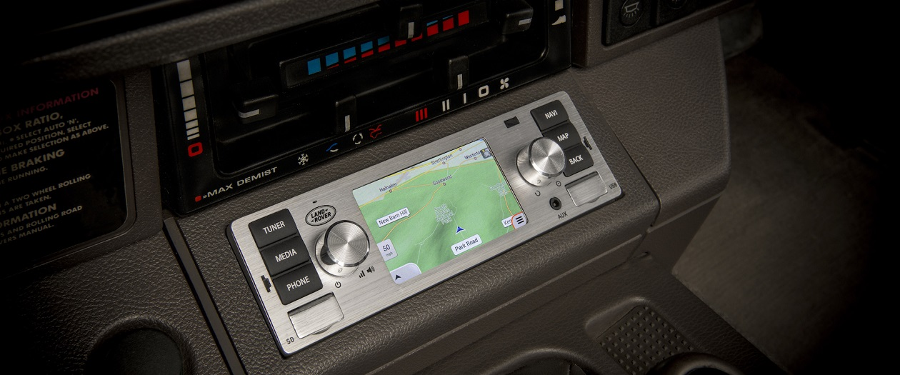 Jaguar-Land Rover Now Offers Infotainment for Classic Cars