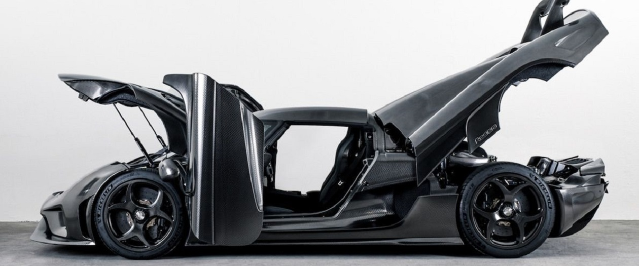 Koenigsegg Creates a Completely Carbon Fiber Car